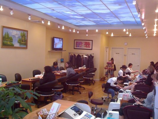 Beautiful Nail Salon Design Pictures with Good Ideas / Pictures Photos ...