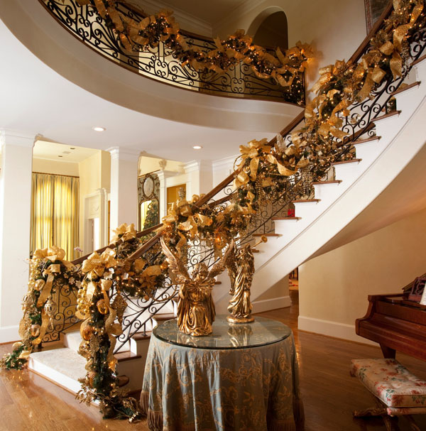 christmas-staircase-decorating6