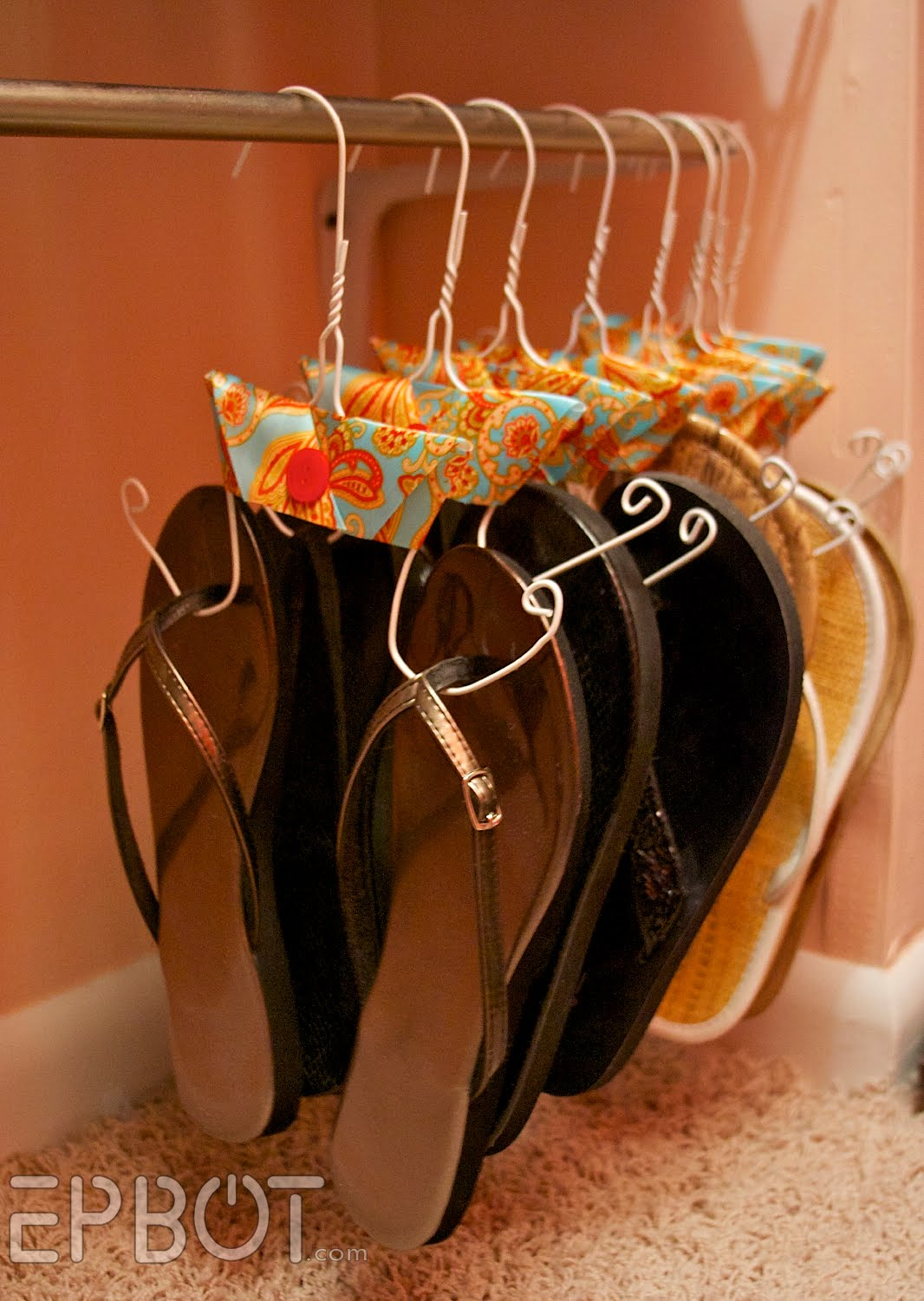 Dollar Store Crafts » Blog Archive » Make Flip-Flop Hangers