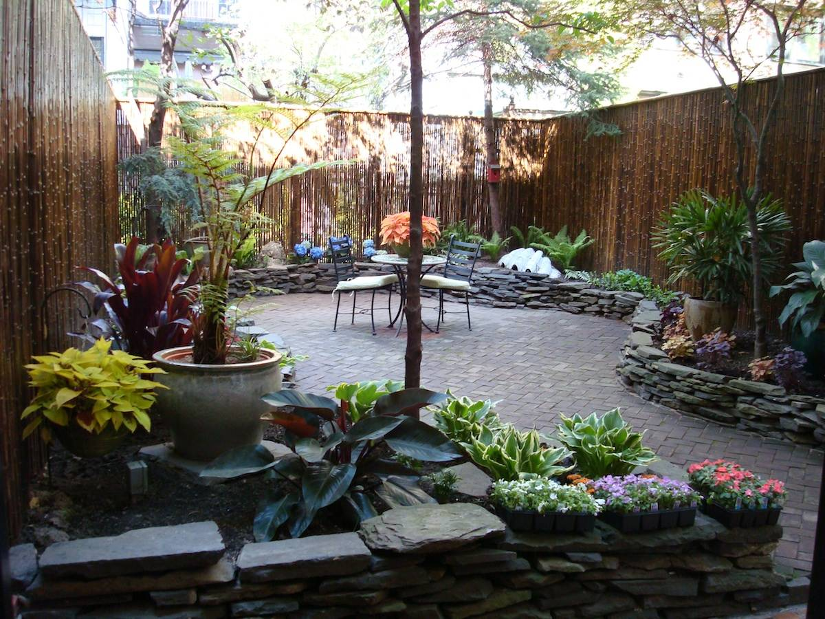 townhouse garden ideas manhattan townhouse gardens and backyard spaces ...