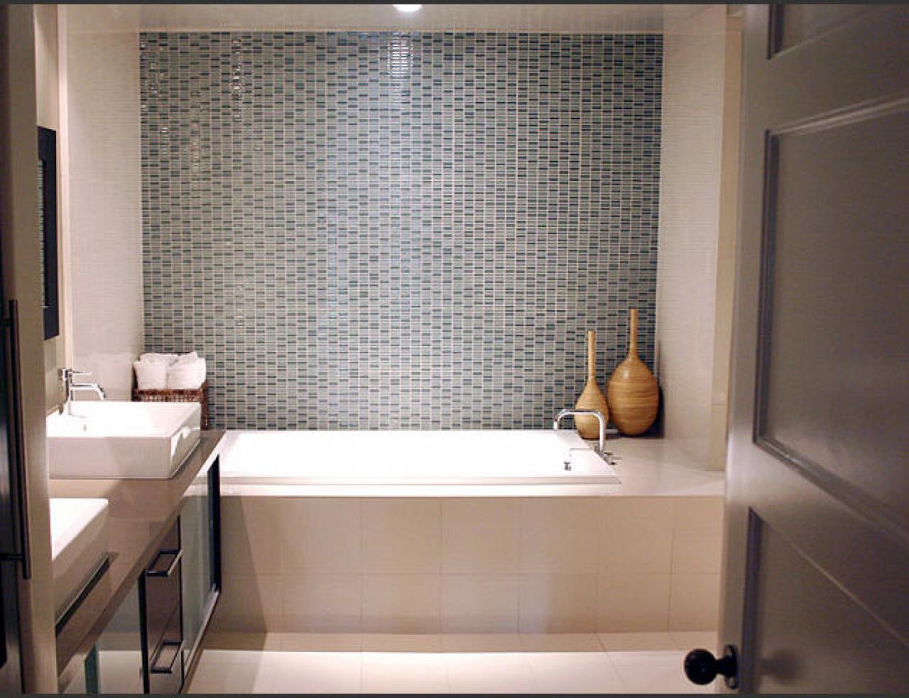 Small space modern bathroom tile design ideas