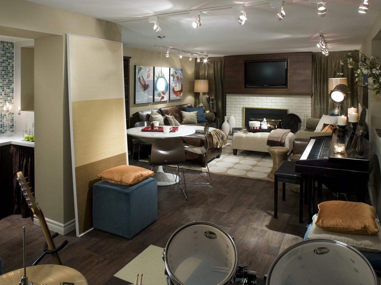 10 Chic Basements by Candice Olson | Decorating and Design Ideas for ...