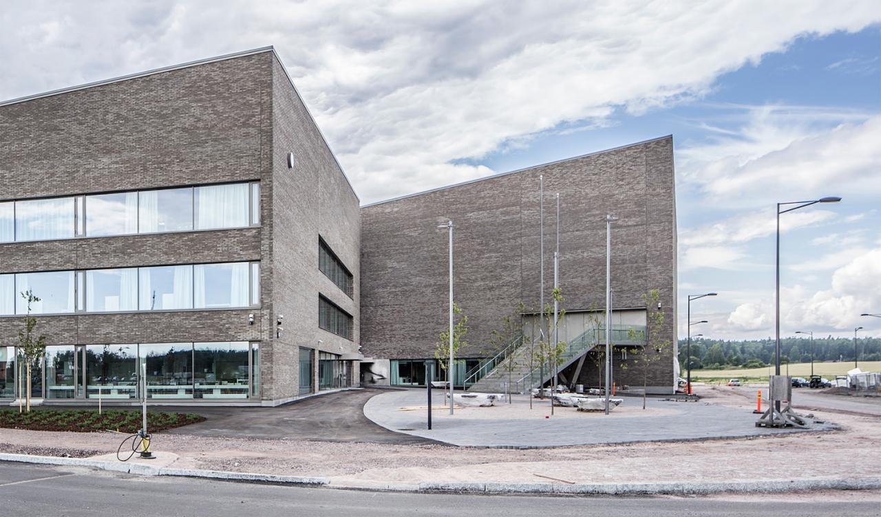 Opinmäki School Complex in Espoo by Esa Ruskeepää Architects. Photo ...